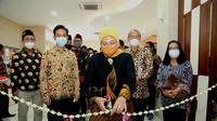 Didampingi Wali Kota Surakarta Gibran Rakabuming Raka, Menteri Ketenagakerjaan Ida Fauziyah membuka Pelatihan Berbasis Kompetensi (PBK) Tahap I di BLK Surakarta, Rabu (10/3).