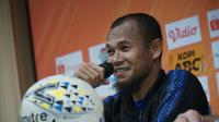 Kapten Persib Bandung Supardi Nasir kecewa dengan hasil imbang lawan Barito Putera. (Liputan6.com/Huyogo Simbolon)