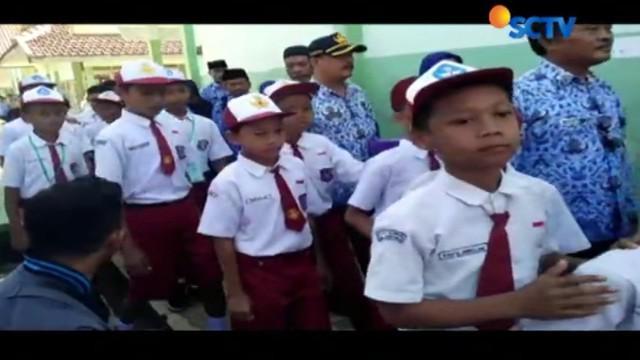 Bupati Banyumas juga meminta ara siswa aktif melapor jika ada kekerasan di sekolah.