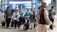 Jemaah calon haji Indonesia di Bandara Internasional Amir Muhammad bin Abdulaziz (AMMA) Madinah, Arab Saudi