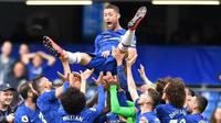 1. Gary Cahill (Chelsea) - Pria Inggris ini merupakan salah satu bek tertangguh Chelsea. Sejak bergabung dengan The Blues di tahun 2012, ia sukses mempersembahkan 7 gelar bergengsi termasuk Liga Inggris dan Liga Champions. (AFP/Bens Stansall)