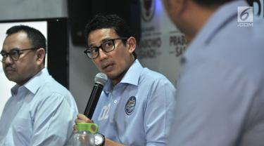 Cawapres nomor urut 2 Sandiaga Uno memaparkan penerimaan dan pengeluaran dana kampanye pasangan Prabowo-Sandiaga di Jakarta, Rabu (28/11). Penerimaan dana kampanye Prabowo-Sandiaga hingga saat ini tercatat Rp 41,9 miliar. (merdeka.com/Iqbal S Nugroho)