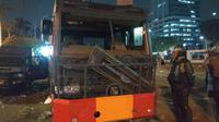 Demonstrasi di Depan Gedung DPR, Satu Mobil Watercanon Brimob Rusak (Merdeka/Nur Habibie)