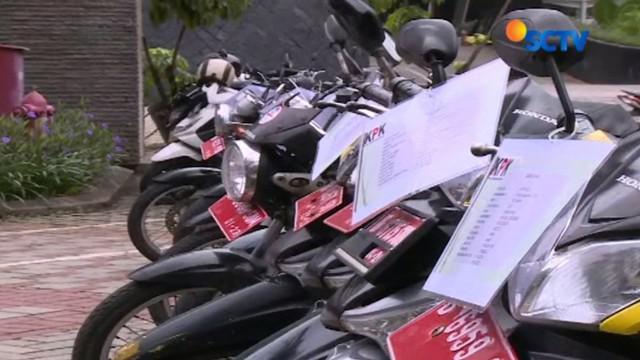 Komisi Pembarantasan Korupsi (KPK) kembali menggelar lelang barang. Apa saja barang yang dilelang?