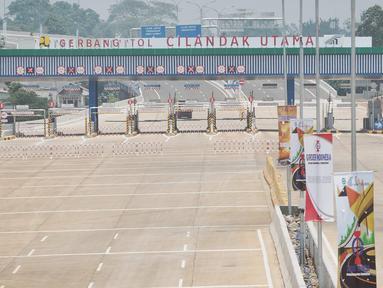 Suasana Tol Depok-Antasari seksi 1 usai diresmikan Presiden Joko Widodo kemarin (27/9) di Jakarta, Jumat (28/9). Tarif tol Depok-Antasari seksi I ruas Antasari-Brigif sebesar Rp 1.500 per km. (Liputan6.com/Faizal Fanani)