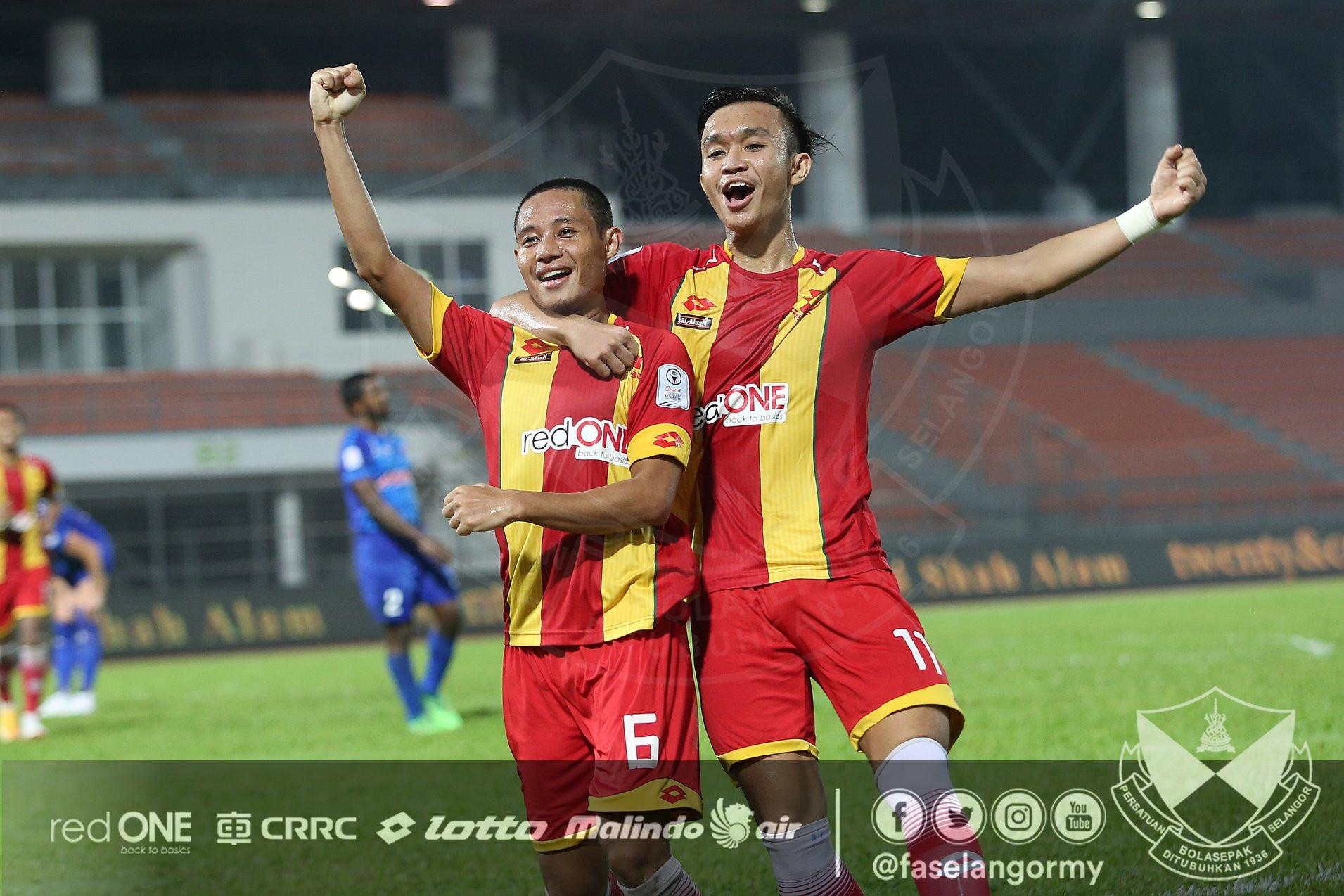 Gelandang Selangor FA, Evan Dimas, merayakan gol yang dicetaknya ke gawang PKNS FC pada laga lanjutan Malaysia Super League 2018 di Stadion Cheras, Rabu (6/6/2018). (Dok. Selangor FA)