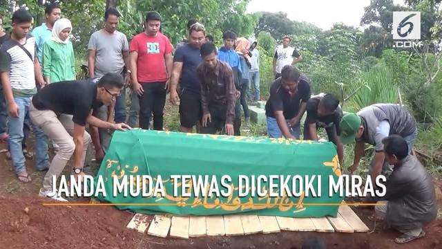 Seorang janda muda dusun Cikopo, tewas setelah dicekoki minuman keras oplosan oleh beberapa orang temannya.