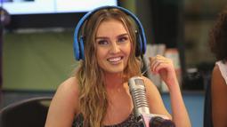Jebolan ajang X Factor Inggris 2011 ini memiliki kekayaan senilai 119,7 miliar rupiah yang didapatnya selain dari bidang musik, juga dari iklan televisi, produk sepatu dan menjadi brand ambassasdor sebuah produk nutrisi. (AFP/Robin Marchant/Getty Images)