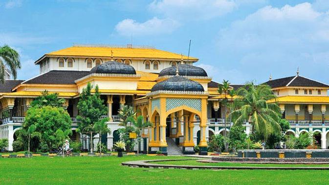 Istana paling indah di Indonesia (sumber: pegipegi)