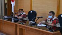 Bupati Cirebo Imron Rosyadi memimpin rapat terkait penutupan pasar Sumber Cirebon. Foto (Istimewa)