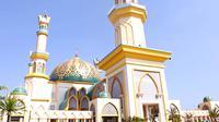 Keberadaan wisata halal justru melengkapi wisata konvensional yang telah ada dan menjadi alternatif pilihan bagi wisatawan untuk berlibur.