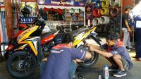 Semoga Jaya Motor (SJM) menjadi bengkel mitra Federal Oil. (Herdi/Liputan6.com)