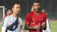 Striker Timnas Indonesia U-22, Marinus Wanewar, usai mengalahkan Kamboja U-22 pada laga Piala AFF U-22  di Stadion National Olympic, Phnom Penh, Jumat (22/2). Indonesia menang 2-0 atas Kamboja. (Bola.com/Zulfirdaus Harahap)