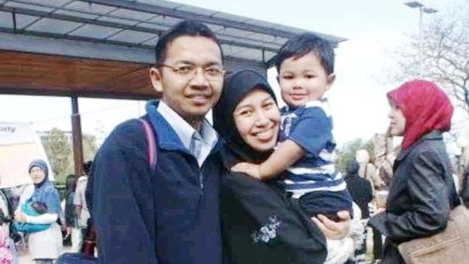 Dian Fajrina dan keluarga (Liputan6.com/Istimewa)
