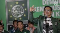 Ketua Umum PKB, Muhaimin Iskandar alias Cak Imin menyampaikan pidato politik sebelum menuju Gedung KPU RI, Jakarta, Minggu (18/2). Pidato tersebut bertemakan demokrasi untuk kemanusiaan, keadilaan dan kemakmuran. (Liputan6.com/Faizal Fanani)
