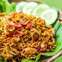 ilustrasi mie goreng/copyright by Shutterstock