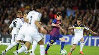 Liputanchampions, Barcelona: Bintang Argentina yang juga pemain depan Barcelona, Lionel Messi menusuk jantung Chelsea dalam pertandingan semifinal leg kedua Liga Champions di Cam Nou Stadion, Barcelona.AFP PHOTO / Javier Soriano