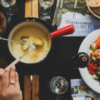 cheese fondue/copyright: unsplash/angela pham
