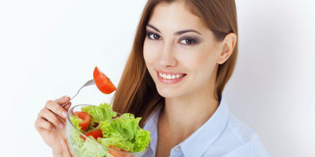 Perbanyak sayur dan buah./Copyright shutterstock.com