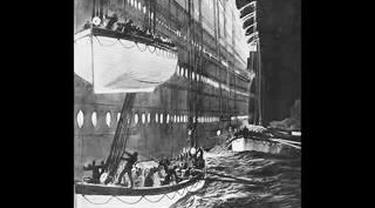 Rangkaian gambar-gambar terkait kapal Titanic yang tenggelam.