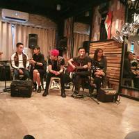 Pasca Ungu merilis single terbaru, Enda dan Onci juga merayakan ulang tahun band mereka, Volmax. (Riswinanti Permatasari/Bintang.com)