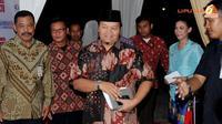 Hidayat Nur Wahid memakai kopiah