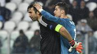 Ronaldo akan menjadi pemain paling banyak bermain di Piala Eropa, termasuk kualifikasi. CR7 akan menyalip torehan penampilan Buffon bersama Italia karena ia absen pada kompetisi ini. Ronaldo telah membukukan 56 penampilan, terpaut dua angka di belakang Buffon. (Foto: AFP/Alberto Pizzoli)