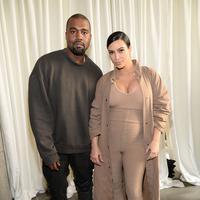 Anak-anak itu adalah anaknya, North West dan saudara-saudara North karena ibu-ibu mereka harus berada di Las Vegas beberapa hari mengingat kondisi suami Khloe Kardashian, Lamar Odom yang masih tak sadarkan diri. (AFP/Bintang.com)
