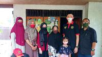 Paskibraka 2019 Nasional dari Kalimantan Selatan, Muhammad Asri Maulana foto bersama keluarga sebelum berangkat ke Jakarta untuk kembali bertugas pada perayaan HUT ke-75 RI di Istana Merdeka (Foto: Dokumen Pribadi)