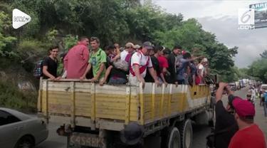 Presiden Amerika Serikat (AS) Donald Trump mengancam akan memotong bantuan senilai jutaan dolar ke Honduras, jika negara itu gagal menghentikan ekosodus lebih dari 2.000 imigran.