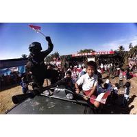 Potret TNI dan rakyat yang begitu hangat. (Instagram/budipurwantha)