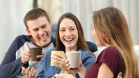 Tips agar Kulit Wajah Tetap Putih Berkilau Selama Liburan (Antonio Guillem/Shutterstock)