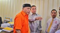 Fadli Zon menjenguk Eggi Sudjana di Polda Metro Jaya. (Merdeka,com)