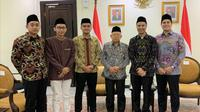 Wakil Presiden Ma'ruf Amin menerima audiensi CEO KESAN Hamdan Hamedan (kedua kanan) dan staf di kantornya, Kamis (26/12/2019).