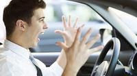 Mengalami kemacetan di jalanan ibu kota sepanjang hari menghasilkan emosi yang meningkat, simak cara menanggulanginya