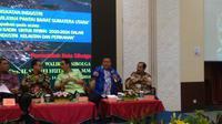Walikota Sibolga Syarfi Hutauruk (batik biru) membahas industri kelautan dan perikanan di Bappenas. Dok: Tommy Kurnia/Liputan6.com