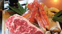 Berikut nikmatnya mencicipi menu terbaru otentik Jepang, Kepiting Tarabagani. (Foto: Dok. Gran Melia Jakarta)