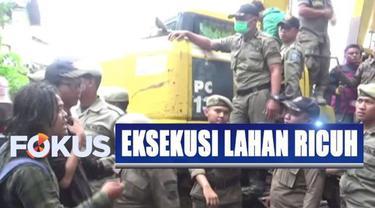 Rencananya, Pemkot Bandung akan membangun rumah deret di kawasan yang selama ini dikenal sebagai kawasan padat penduduk itu.