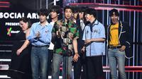 Dalam ajang penghargaan Billboard Music Awards 2018, BTS berhasil menyabet gelar Top Social Artist. Dengan raihan ini, mereka berhasil meraih gelar ini dua kali berturut-turu. (AFP/Ethan Miller/GETTY IMAGES NORTH AMERICA)