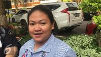Putri Nia Daniati, Olivia Nathania usai menjalani pemeriksaan di Polda Metro Jaya terkait kasus penipuan, Selasa (1/8/2017). (Surya Hadiansyah/Liputan6.com)