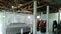 Sama seperti Wali Songo di Jawa, Wali Pitu juga mengemban misi menyiarkan agama Islam kepada warga setempat. (Liputan6.com/Dewi Divianta)