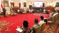 Suasana rapat kabinet pariurna di Istana Negara, Jakarta, Selasa (16/10). Rapat kabinet pariurna tersebut membahas evaluasi penangan bencana alam. (Liputan6.com/Angga Yuniar)