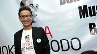 Penyanyi Delon Thamrin saat ditemui di kawasan Menteng, Jakarta Pusat. (31/5/2014) (Liputan6.com/Panji Diksana)