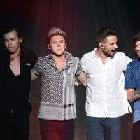 Meskipun berita ini telah keluar, Harry Styles belum memberikan komentar apa pun. One Direction juga belum menunjukkan apa-apa mengenai pensiunnya grup musik asal Inggris ini, yang pasti mereka akan beristirahat beberapa bulan. (AFP/Bintang.com)