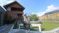 Jurnalis dan Youtuber asal Kota Palembang Bubun Kurniadi atau akrab dipanggil Bubun Chord, menciptakan lagu religi berjudul 'Kita Lebaran' (Dok. Bubun Chord / Nefri Inge)