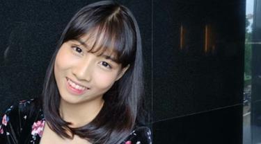 Mutiara Azzahra atau yang lebih dikenal dengan panggilan Muthe JKT48 ini  kerap menjadi perhatian publik karena wajahnya yang mirip dengan salah satu personil girl group Twice yaitu Momo. (Liputan6.com/IG/jkt48.muthe_)