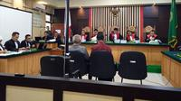 Terdakwa kasus dugaan suap RAPBD Jambi dihadirkan di muka persidangan. (Dok. Istimewa/B Santoso)