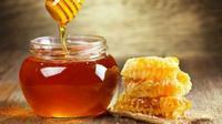 Lebah Selalu Memproduksi Madu Lebih Banyak dari Kebutuhan (Sumber Foto: familinia.com)