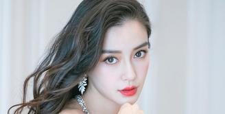 Angelababy dinobatkan sebagai perempuan tercantik nomor 2 di Asia versi TC Candler.