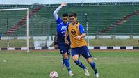 Fabiano Beltrame berlatih bersama Persib Bandung menjelang Shopee Liga 1 2020. (Bola.com/Erwin Snaz)